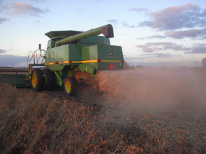 John Deere - Straw Choppers - TSR Parts - Colgate, North Dakota - John Deere combine